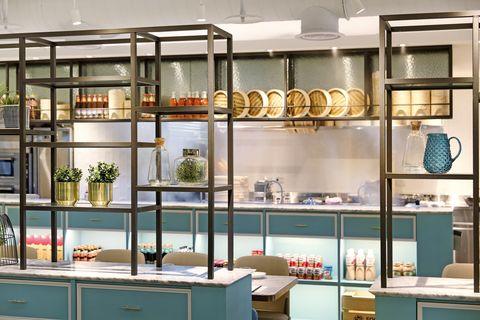 Display case, Shelf, Building, Shelving, Furniture, Room, Interior design, Glass, Cabinetry, Fashion accessory,