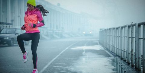 Pink, Water, Atmospheric phenomenon, Running, Sky, Recreation, Jogging, Cloud, Footwear, Tights,