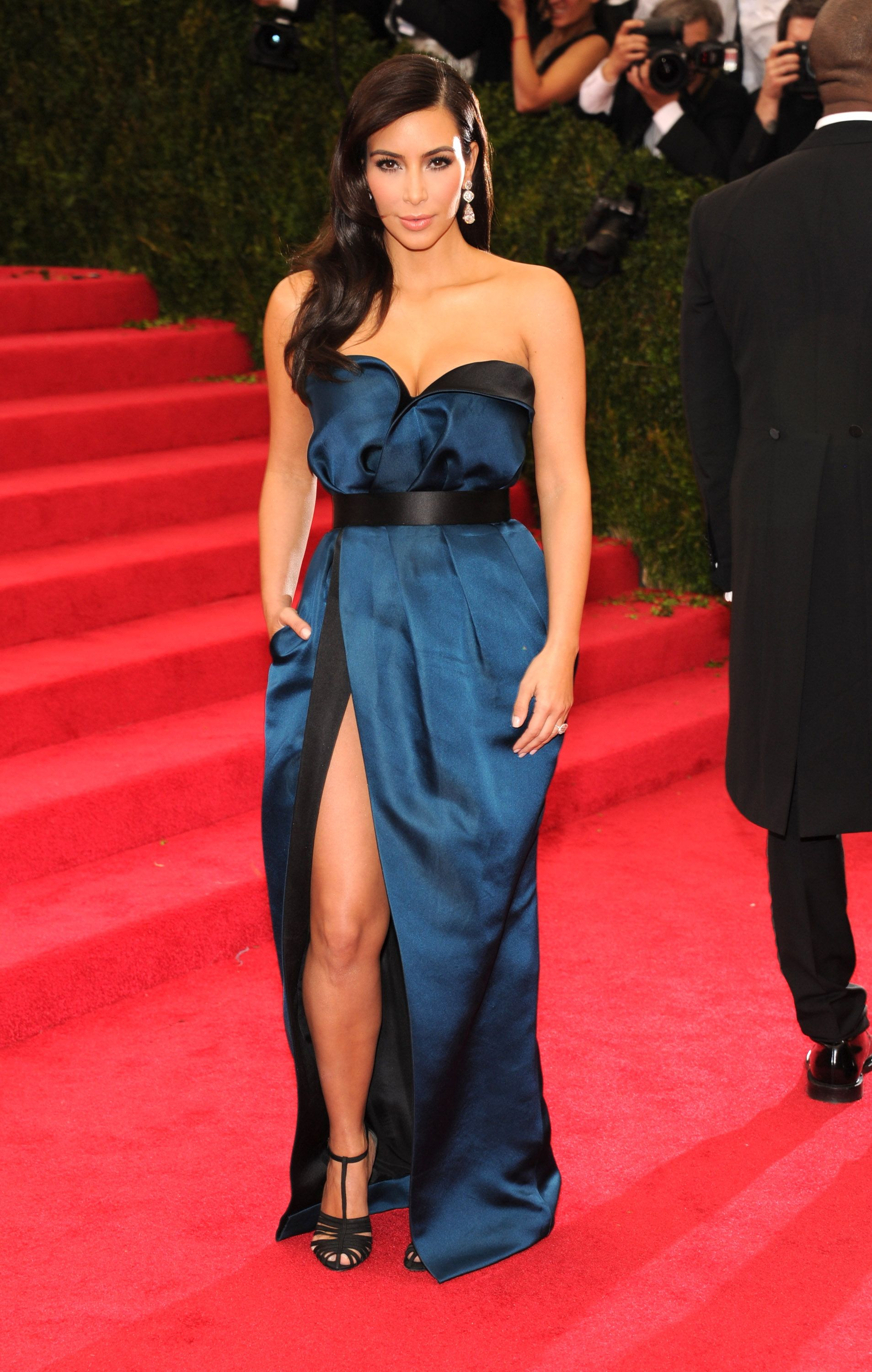 Kim Kardashian\'s 37 Most Iconic Looks - Kim Kardashian Memorable Fashion