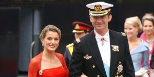 Looks de invitada de la reina Letizia