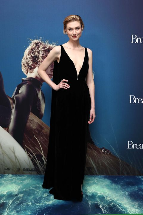 Dress, Clothing, Fashion, Gown, Fashion model, Formal wear, Shoulder, Beauty, Bridal party dress, Haute couture,