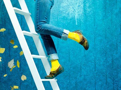 Human, Leg, Yellow, Human leg, Shoe, Denim, Street fashion, Teal, Aqua, Knee,