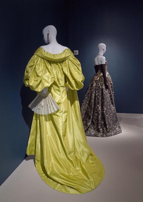 Amal Clooney\'s Wedding Dress - Oscar de la Renta Exhibition at the ...