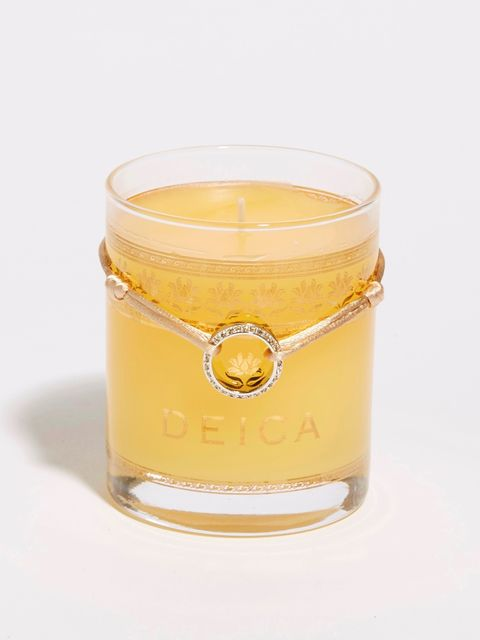 Drink, Yellow, Alcoholic beverage, Sour, Whiskey sour, Distilled beverage, Liquid, Old fashioned glass, Liqueur, Glass,