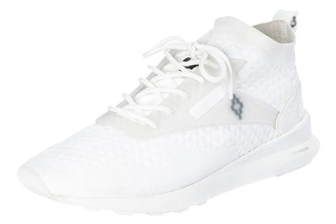 Footwear, White, Shoe, Sneakers, Product, Walking shoe, Plimsoll shoe, Athletic shoe, Basketball shoe, Sportswear,