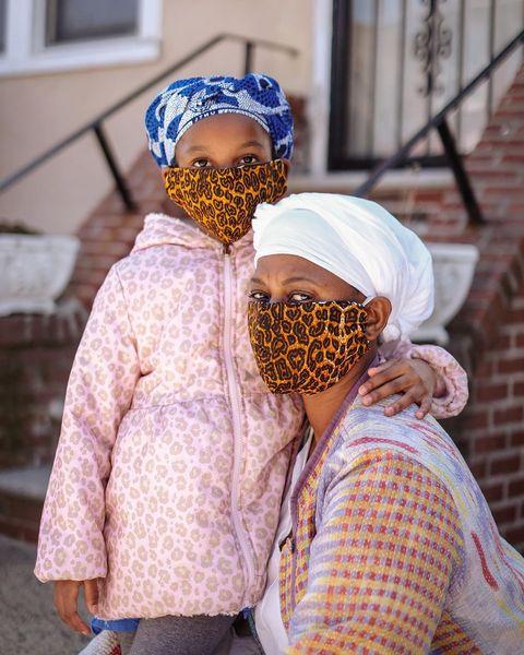 アメリカでは今まではなかなか見られなかったマスクスタイルも、こんなご時世だと当たり前に! そんな中、ブルックリン出身・在住のフォトグラファー、レイラ・アマツーラ・バレーンがブルックリンのお洒落でクリエイティブなマスクに注目。