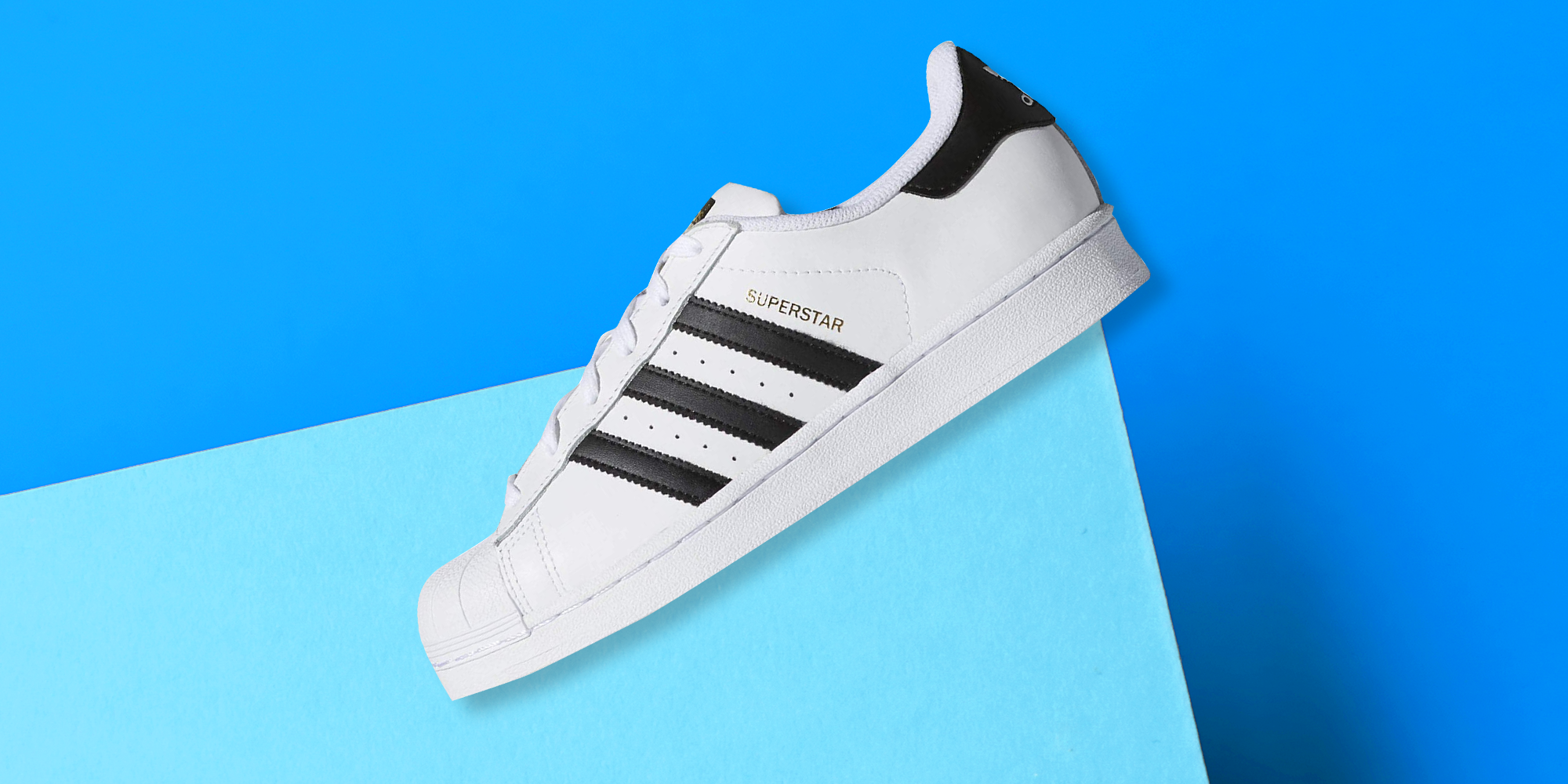Corte de pelo Oral personal  Adidas Superstar Sneakers Are On Sale For 25% Off On Amazon