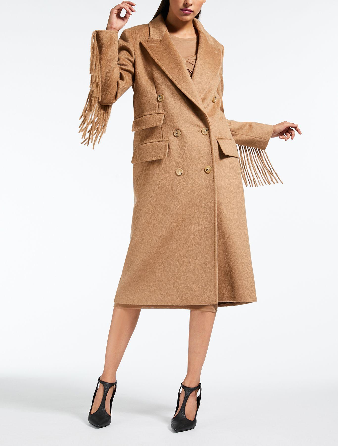 tendenza cappotti cammello, cappotti cammello max mara 2019