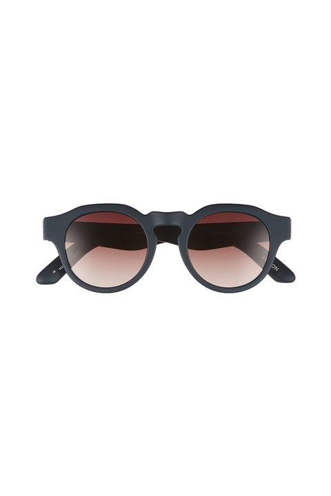 Eyewear, Sunglasses, Glasses, Personal protective equipment, Brown, Vision care, Goggles, aviator sunglass, Eye glass accessory,