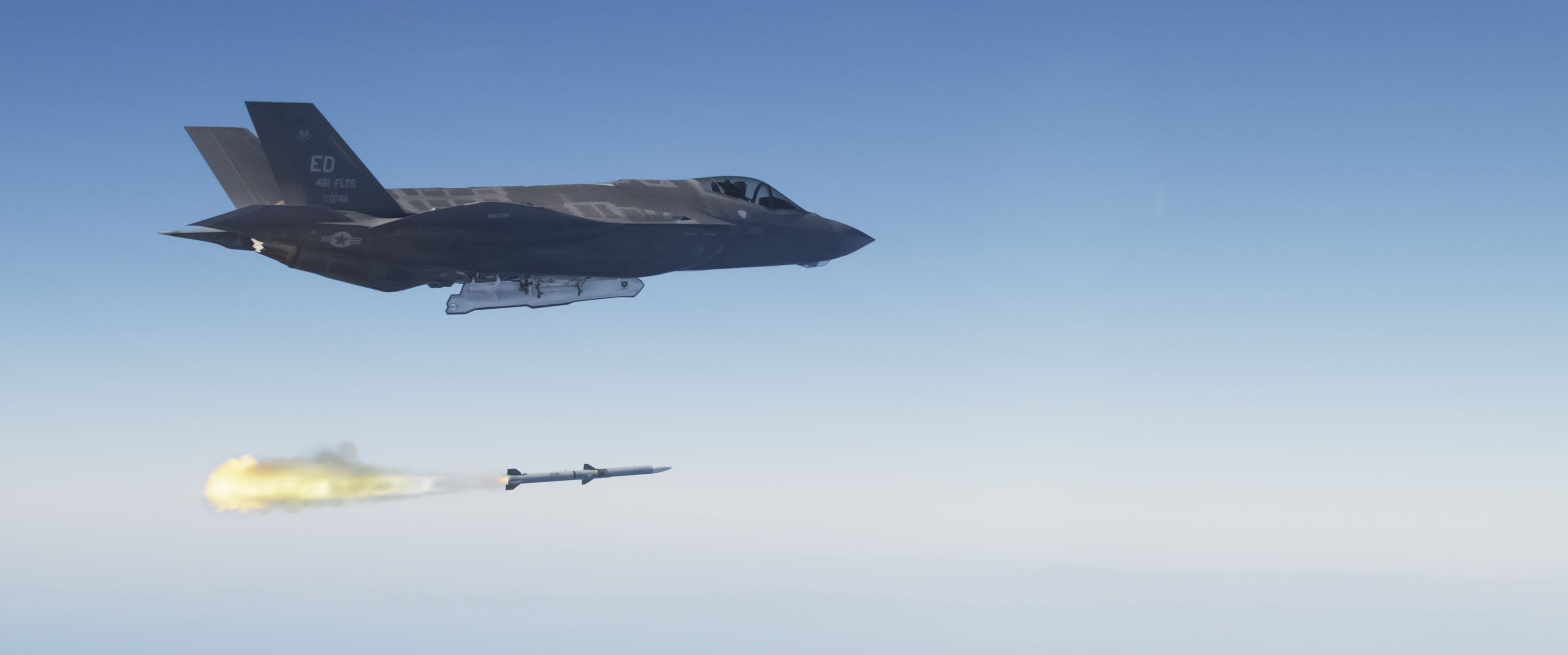 The U.S.'s New Missile Will Counter Chinese Fighters