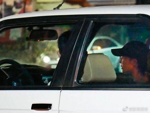 Vehicle door, Windshield, Vehicle, Car, Automotive exterior, Motor vehicle, Glass, Automotive window part, Mode of transport, Auto part,