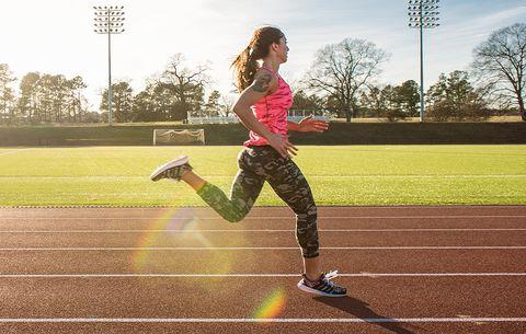 runner kicking her butt