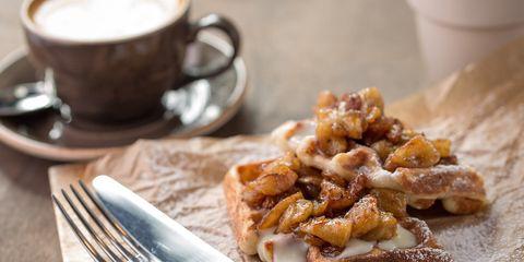apple-cinnamon-waffles-1000.jpg