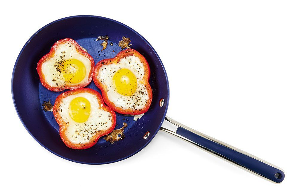 King of the Breakfast Bell: Bell Pepper Rings With Eggs Inside