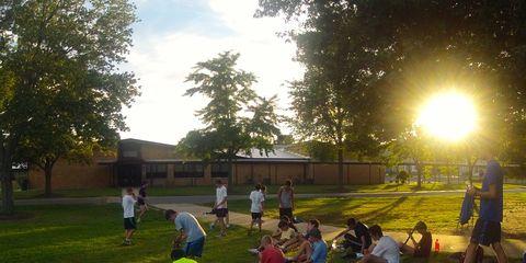 Grass, Tree, Leisure, Public space, Outdoor recreation, Sunlight, Park, Lawn, Garden, Shade,