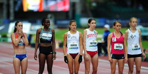 Sports uniform, Sportswear, Track and field athletics, Competition event, Endurance sports, Athlete, Uniform, Active shorts, Thigh, Race track,