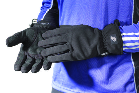 Glove, Sports gear, Personal protective equipment, Batting glove, Bicycle glove, Safety glove, Fashion accessory, Hand, Finger,