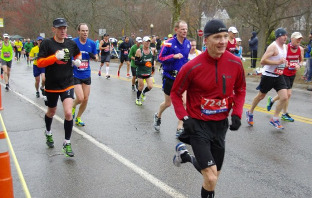This Boston Marathon Streaker Preps by Hiking with Weights