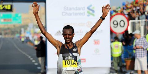 Tamirat Tola in Dubai Marathon