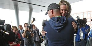 boston marathon bomb victim engaged to firefighter that rescued her
