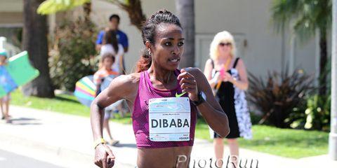Genzebe Dibaba at the 2015 Carlsbad 5000