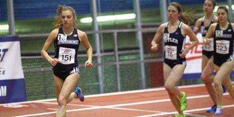 Emily Sisson setting collegiate 5,000m record