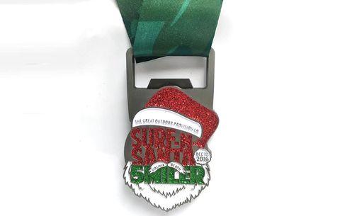 Surf-N-Santa 5 Miler race medal