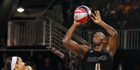 Usain Bolt playing in the 2013 NBA celebrity all-star game