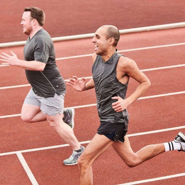 Leg, Track and field athletics, Shoe, Sport venue, Human leg, Athletic shoe, Running, Race track, Athlete, Active shorts,