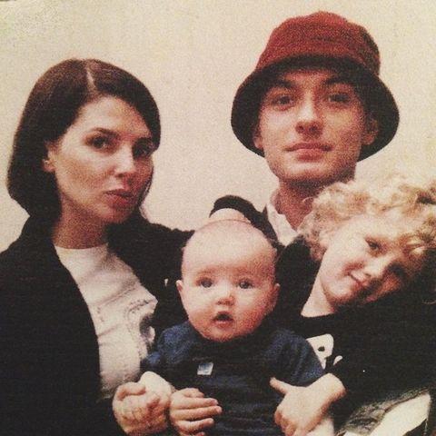 裘德洛、前妻莎蒂佛斯特和女兒iris law