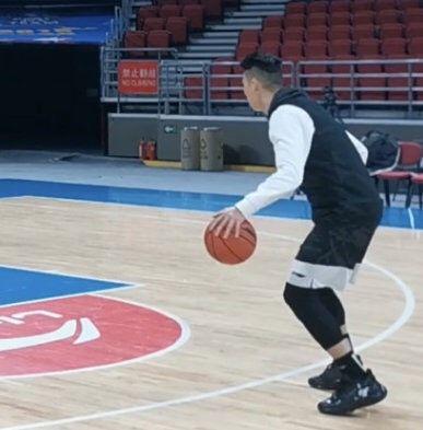 Sports, Ball game, Player, Basketball, Basketball, Team sport, Sport venue, Basketball moves, Tournament, Sports equipment,