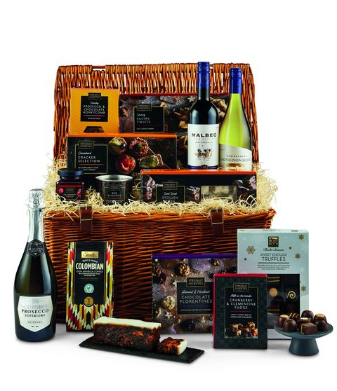 Christmas Hampers 2019.Aldi S Christmas Hampers Are Back And They Re Just A Lot