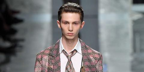 Fashion model, Fashion, Runway, Clothing, Fashion show, Suit, Brown, Formal wear, Outerwear, Blazer,