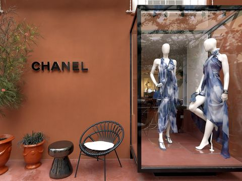 Display window, Mannequin, Display case, Retail, Room, Window, Interior design, Doll, Toy, Art,