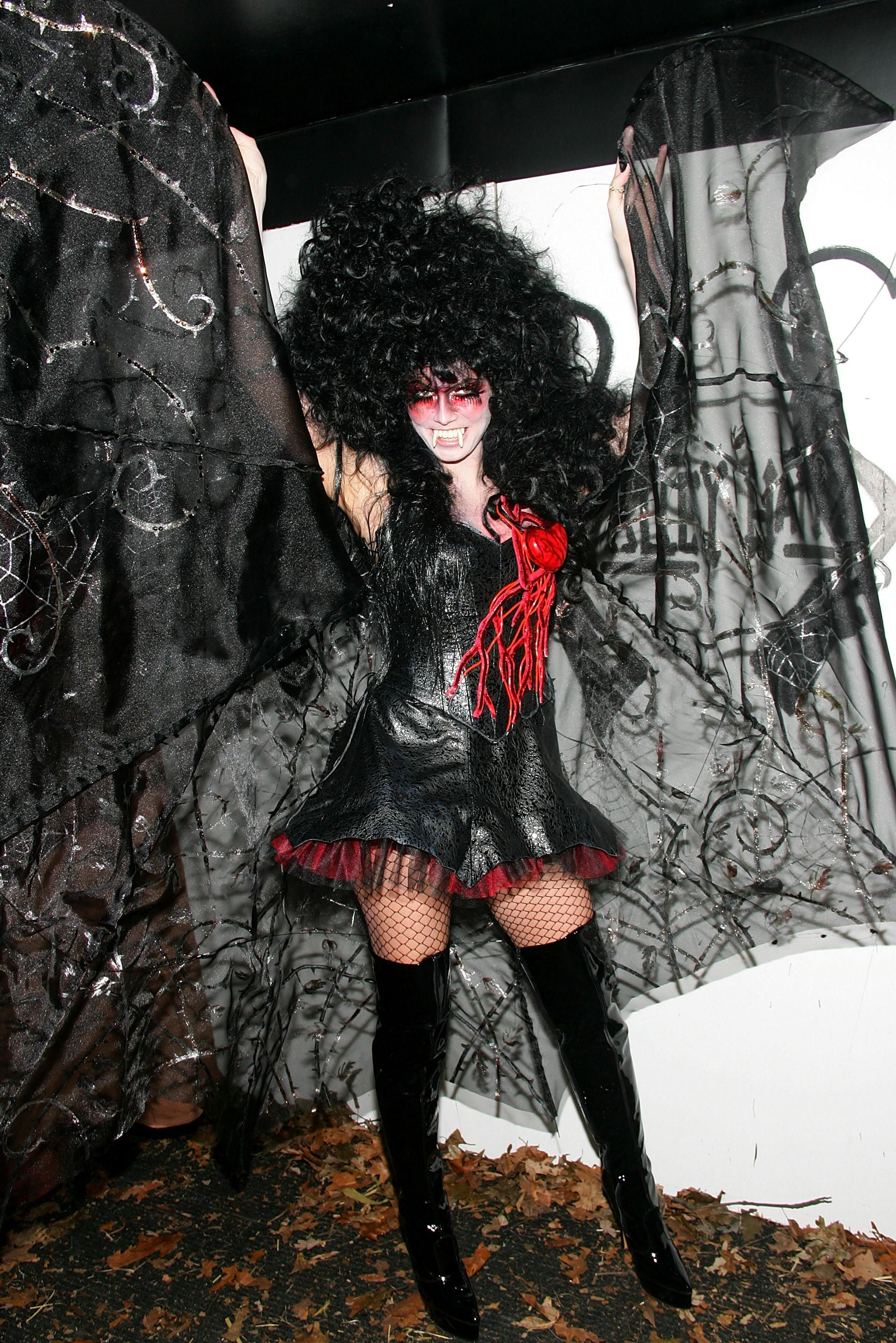 Most popular adult halloween costume 2005