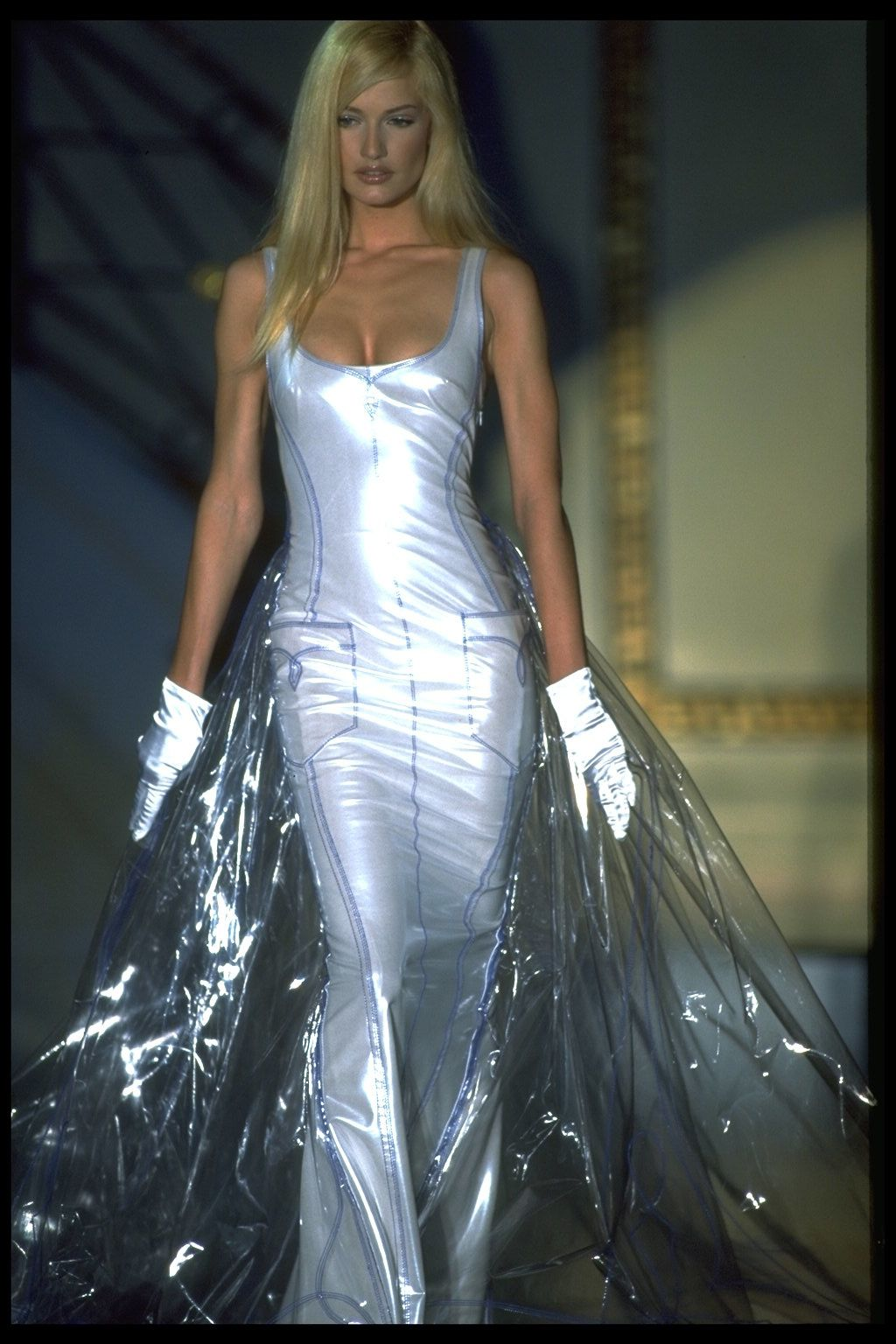 Gianni Versace\'s Most Iconic Dresses - 20 of the Best Vintage ...