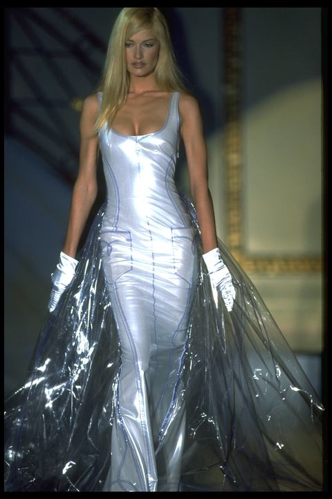 Gianni Versace S Most Iconic Dresses 20 Of The Best
