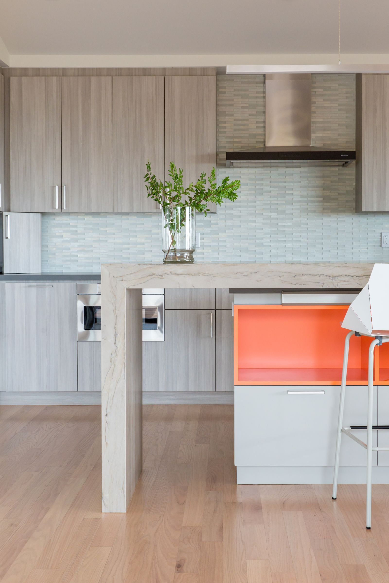 20+ Ideas for Styling with Orange as an Accent