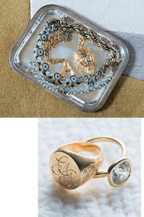 Fashion accessory, Jewellery, Metal, Ring, Silver, Locket, Body jewelry, Beige, Engagement ring,