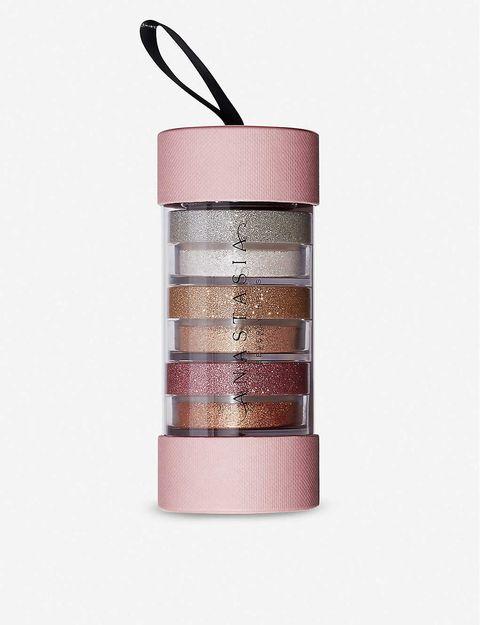 每去sephora必買!這5個人氣美妝品牌眼影盤、定妝噴霧到打亮絕對要收