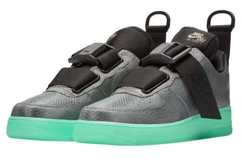 Footwear, Shoe, Sneakers, Product, Athletic shoe, Basketball shoe, Outdoor shoe, Walking shoe, Skate shoe,
