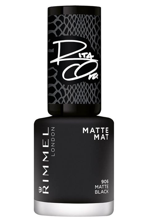 Meghan Markle Black Nail Varnish