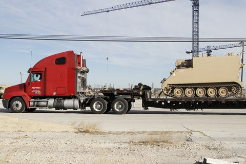 Vehicle, Transport, Motor vehicle, Mode of transport, Truck, Car, Commercial vehicle, trailer truck, Trailer, Asphalt,