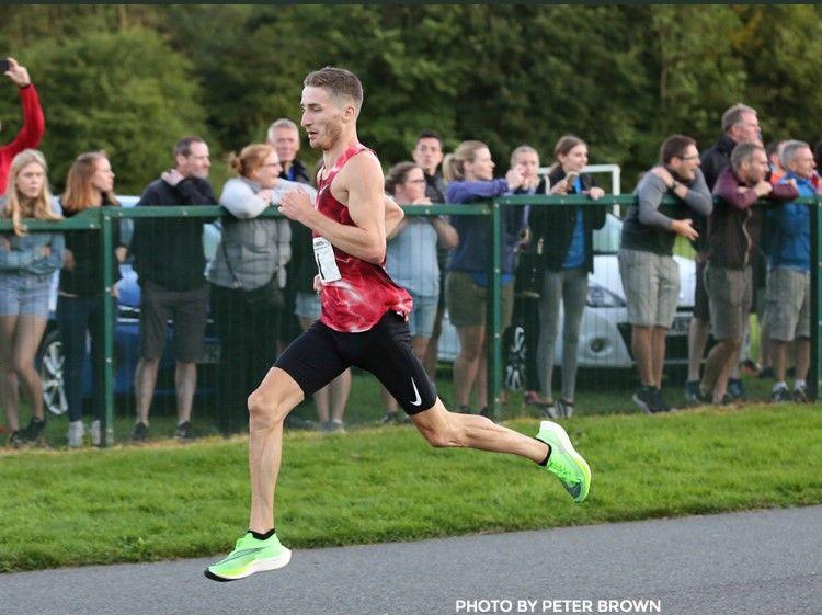 Marc Scott breaks the British 5km record