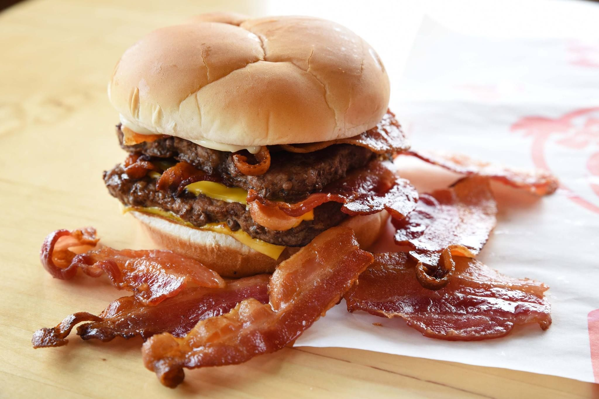 Wendy S Is Giving Out Free Bacon Cheeseburgers For An Entire Week