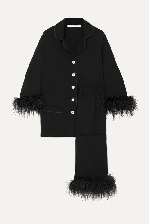 Clothing, Black, Outerwear, Fur, Sleeve, Coat, Collar, Jacket,