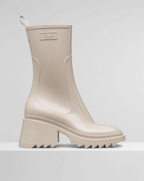 chloe beige wellington boot