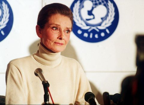 b4wf49 audrey hepburn actress speaking at unicef