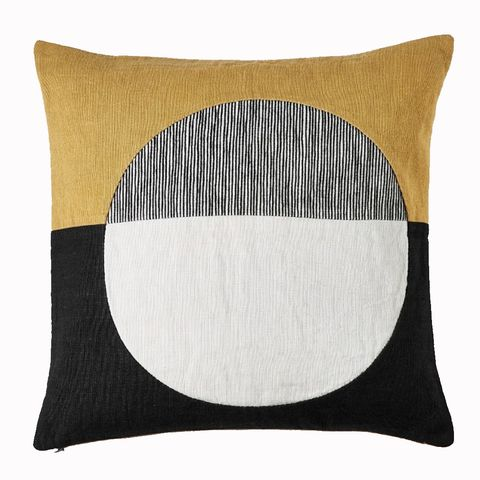 Pillow, Throw pillow, Cushion, Furniture, Beige, Rectangle, Textile, Circle, Linens, Home accessories,