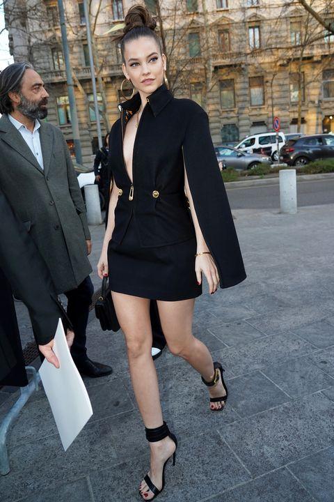 2020年2月、イタリア・ミラノのファッションウィークに登場したバーバラ・パルヴィン